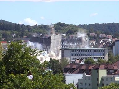 Sprengung der Leobau-Wüstenrot-Hochhäuser in Leonberg (30.05.2009) - Bild 3
