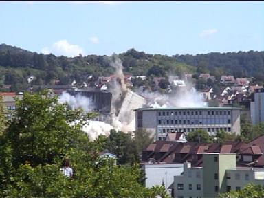 Sprengung der Leobau-Wüstenrot-Hochhäuser in Leonberg (30.05.2009) - Bild 4