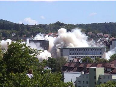 Sprengung der Leobau-Wüstenrot-Hochhäuser in Leonberg (30.05.2009) - Bild 5